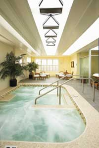 "Co-ed pool and respite area ""on the roof"" at the Kohler Water Spa. Photo courtesy of Kohler Company."
